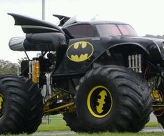 batmobile monster truck - If Batman had access to this Batmobile monster truck, I think his first order of business would be to drive over the existing Batmobile and crush i. Jacked Up Trucks, Cool Trucks, Big Trucks, Cool Cars, Big Monster Trucks, Chevy Trucks, Combi Wv, Nananana Batman, Film 2017