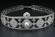 Newport Sparkle: Diamond, pearl and platinum tiara by Cartier, Paris, 1924.