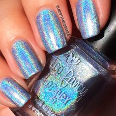 Blue Willow is a silvery blue ultra holographic polish.Photos are swatched by Megan from Almost Famous Nails, and Lisa from Cosmetic Santuary.*Please read the Shipping and Shop Policy pages before you commit to purchase.