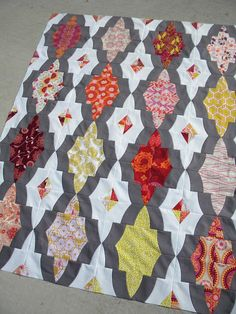 Sew Kind Of Wonderful: Medallion QAL - The Quilting.  Determining how to quilt each section