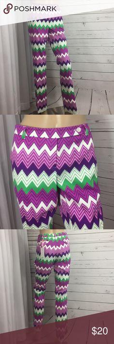 "Golf Pants Bold Print Sports Athletic Nice new zig zag golf pants. Girls golf size Large please check measurements! Runs small CHECK MEASUREMENTS!  Waist 34""  Hips 40""  Inseam 31""  Belt loops  Flat front pockets Girls Golf Pants"