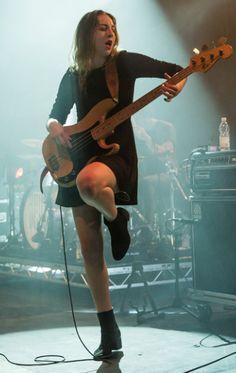 Este Haim ✾ of Haim Kim Gordon, Guitar Girl, Kim Deal, Ukulele, N Girls, Rock Girls, Women Of Rock, Rocker Chick, Women In Music