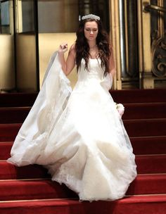 Leighton Meester as Blair Waldorf in her first wedding dress on ...