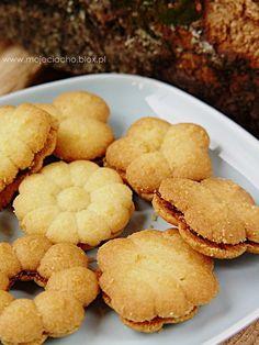 Kruche ciasteczka Cupcake Cookies, Sugar Cookies, Sweet Recipes, Cake Recipes, Spritz Cookies, Sweets Cake, Polish Recipes, Food Cakes, How Sweet Eats