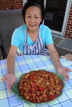 The best sweet and sour chicken. A Silver Spring Chinese grandmother and former catering cook takes the classic dish to new heights, earning Staff Favorites status. Turkey Recipes, Dog Food Recipes, Chicken Recipes, Cooking Recipes, Sweet N Sour Chicken, Asian Chicken, Asian Pork, Asian Recipes, Ethnic Recipes