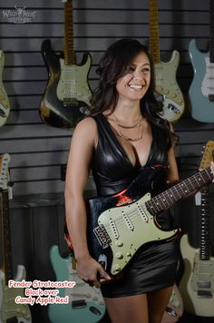 http://wildwestguitars.com/Fender-*/dis-prod_1453_standard.html