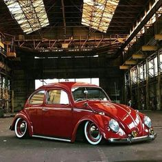 Classic Car News Pics And Videos From Around The World Vw Bus, Volkswagen Transporter, Vw Classic, Vw Vintage, Vw Beetles, Custom Cars, Dream Cars, Red Beetle, Beetle Bug