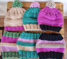 Gorros y cuellos tejidos por Crochet Cap, Crochet Cross, Crochet Beanie, Love Crochet, Knitted Hats, Wool Hats, Knitting Stiches, Baby Knitting Patterns, Loom Knitting