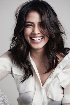 White shirt and out-of-bed hair=🙌🏻 . Indian Bollywood Actress, Bollywood Girls, Indian Actresses, South Actress, South Indian Actress, Bed Hair, Elegant Wedding Hair, Beautiful Girl Indian, Cute Beauty