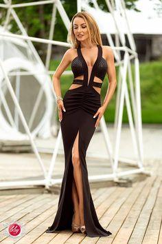 Rochie de seara neagra, mulata pe corp