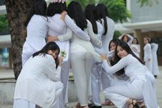 Best 10 Nice dress – Page 327073991686850361 – SkillOfKing. Vietnamese Traditional Dress, Vietnamese Dress, Beautiful Girl Wallpaper, Girls Phone Numbers, Sexy Long Dress, Vietnam Girl, Beautiful Hijab, Sexy Jeans, Ao Dai