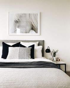 "Home Interior Design Acquire wonderful suggestions on ""cheap home decor for apartments"". They are on call for you on our site. Minimalist Bedroom, Modern Bedroom, Home Decor Bedroom, Interior Design Living Room, White Bedroom Decor, Bedroom Ideas, Monochrome Bedroom, Mode Monochrome, Suites"