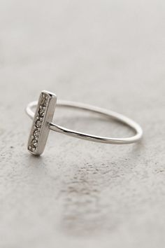 Fortaleza Ring. Dainty. Chic. Gorgeous.