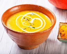 Soupe de potiron au lait de coco _ http://www.cuisineaz.com/dossiers/cuisine/soupes-classiques-13755.aspx