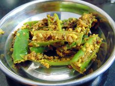Athela Marcha (Green Chili Pickle - Hari Mirch ka Achar - Raita Marcha) is awesome recipe to add delicious spicy and tangy taste in any meal. Indian Veg Recipes, Gujarati Recipes, Vegetarian Cooking, Vegetarian Recipes, Cooking Recipes, Gujarati Cuisine, Gujarati Food, Sauces, Pickles