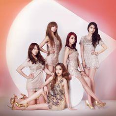 KARA's Hara and Nicole release solo MVs for Korean version of 'KARA Solo Collection' album