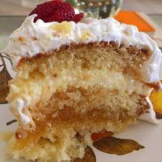 Ei salve esse pin e clique duas vezes. vc vai gostar das 70 receitas de geladinho gourmet que preparamos Marshmallow Cupcakes, Sweet Cupcakes, Other Recipes, Sweet Recipes, Cake Recipes, Pastry Shop, Macaroons, Street Food, Vanilla Cake