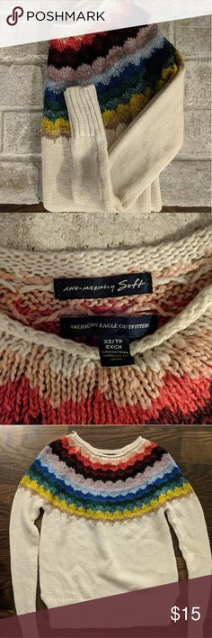 American Eagle Sweater This sweater has only been worn a few times! It's in perfect condition, and would look great in your fall family pictures! American Eagle Outfitters Sweaters Crew & Scoop Necks