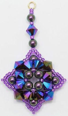 Deb Roberti's Alexandra Ornament and Pendant Pattern Seed Bead Jewelry, Seed Bead Earrings, Beaded Earrings, Beaded Jewelry, Beaded Bracelets, Seed Beads, Beaded Christmas Ornaments, Diy Ornaments, Felt Christmas