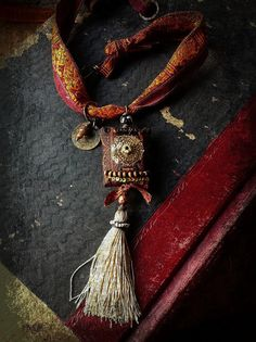 Quisnam - Gypsy necklace with decadent textiles silk ribbon