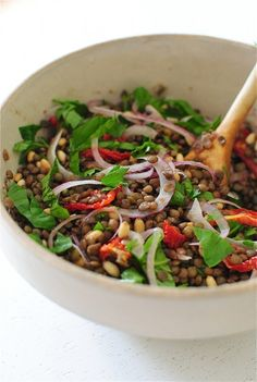 Love lentils--this Mediterranean Lentil Salad looks like a tasty lunch. Healthy Salads, Healthy Cooking, Healthy Eating, Cooking Recipes, Vegetarian Recipes, Healthy Recipes, Delicious Recipes, Best Lentil Recipes, Lentil Salad Recipes