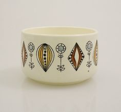 Vi n t a g e Norway Egersund Scandinavian Sugar Bowl Pottery Houses, Light Blue Flowers, Flower Center, Modern Ceramics, Scandinavian Modern, Creamy White, Sugar Bowl, Norway, Buy And Sell