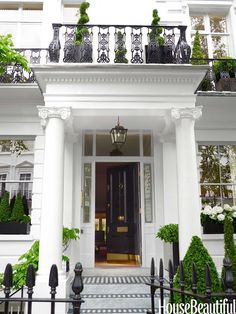 This stately 1860 London townhouse is a commanding presence in fashionable South Kensington. Now THIS is an entrance! London Townhouse, London House, Townhouse Interior, London City, London Night, London Map, London Apartment, London Skyline, London Bridge