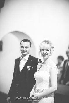 #churchwedding #weddingphotography #wedding #weddingcoverage #Hochzeitsfotografie #love Church Wedding, Beautiful Moments, Professional Photographer, Wedding Photography, In This Moment, Couple Photos, Couples, Wedding Shot, Couple Pics