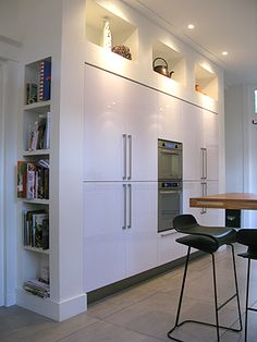 best ideas for kitchen design layout modern shelves Apartment Kitchen, Kitchen Interior, Interior Design Living Room, Kitchen Decor, Condo Living, Kitchen Living, Küchen Design, House Design, Cocinas Kitchen