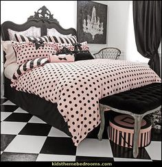 Wake Up Frankie Left Bank Collection 3-piece Comforter Set  It matches my purse!! :)