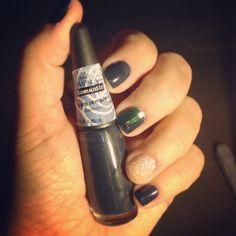 Azul marinho! Coleção linda! #romantic #mundial_impala #nail #nailart #glitter