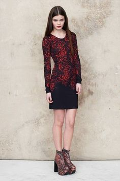 Vampy happenings at Malene Oddershede Bach Office Fashion Women, Womens Fashion For Work, Work Fashion, Runway Fashion, Fashion Outfits, Business Casual Dresses, Work Wear, Nice Dresses, Couture