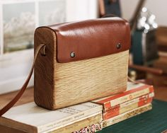 Large Oak Handbag by turkish designer Haydanhuya