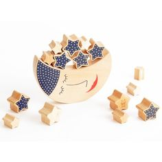 Moon and Stars ecofriendly wooden balancing game by Russian toy brand Shusha * www.the-pippa-and-ike-show.com