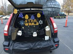 For trunk or treat this year, I made everything using my Cricut!! That includes the character banners, Star Wars snowflakes, stars, and Star Wars text. Very fun and easy with my Cricut.