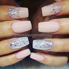 This post contains the best Shimmering Christmas Nails. These nails are creative and fascinating. Sexy Nails, Glam Nails, Hot Nails, Beauty Nails, Hair And Nails, Fabulous Nails, Gorgeous Nails, Cruise Nails, Trendy Nail Art