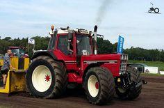 International 1455XL Agriculture Tractor, Farming, International Tractors, Classic Tractor, Heavy Machinery, Case Ih, Harvester, Vw, Childhood