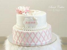 Birmovná torta | Autorka: Diem | torta, birmovka | Tortyodmamy.sk Sweet Cakes, Vanilla Cake, Desserts, Food, Tailgate Desserts, Deserts, Essen, Postres, Meals