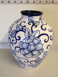Blue and white Pottery Painting, Ceramic Painting, Ceramic Vase, Ceramic Pottery, Pottery Art, Blue And White China, Blue China, Decorated Flower Pots, Paint Your Own Pottery