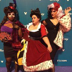 Our pinup villains group! #d23 #d23expo #queenofhearts #aliceinwonderland #drfacilier #princessandthefrog #cruella #cruelladevil #101dalmatians