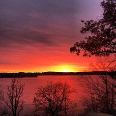 Sunset over Lake Minnetonka. #lakeminnetonka #tonka #minnetonka #mn #lake
