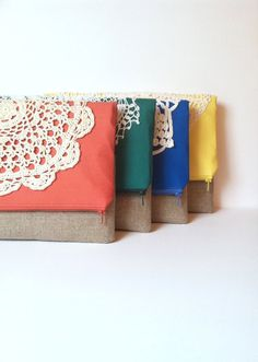 Coral Fold Over Clutch - Linen and Lace Foldover Bag - Vintage Lace Doily Purse: I just love these!