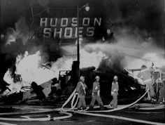 A shoe store in the Watts area of Los Angeles, California, collapses in flames as the city& wave of violence moves into its fourth day, August Years of segregation and mistreatment erupted into a week-long race riot. Watts Riots, California Highway Patrol, 50 Years Ago, Film Books, National Guard, Way Of Life, Old Pictures, Looking Back, Troops