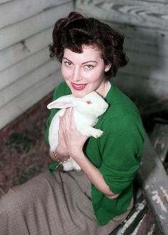 Ava Gardner and a bunny <3 1950s