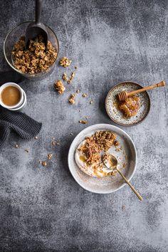 Coffee gingerbread granola