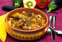 Török gyuvecs Top 15, One Pot Meals, Curry, Clean Eating, Food And Drink, Ethnic Recipes, Food, Healthy Crock Pot Meals, Curries