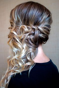 15 Very modern and trendy hairstyles - Frisuren abschlussball - Side Ponytail Hairstyles, Prom Hairstyles For Long Hair, Down Hairstyles, Easy Hairstyles, Wedding Hairstyles, Hairstyles 2016, Modern Hairstyles, Updo Side, Side Curls
