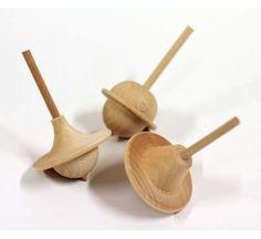 Toupies en bois éco-responsables, jouet éco design made in France, Reine Mère, Elise Fauveau. http://www.greeen-store.com/fr/jeux/1717-toupies-en-bois.html