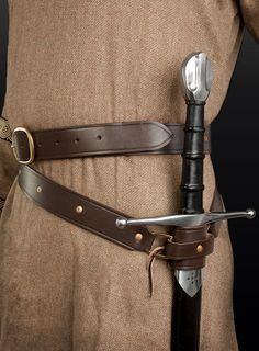 How to wear a sword - I fear I'd be too short for my sword to hang properly like that. I'd have to have it on my back.