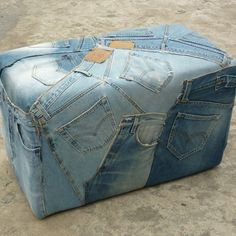 "♥ Previous pinner posted: ""Make a Levi's Ottoman cover to go with my denim Craigslist Drexel Heritage couch? Jean Crafts, Denim Crafts, Denim Furniture, Recycling, Ottoman Cover, Denim Ideas, Recycle Jeans, Denim Patchwork, Jeans Denim"